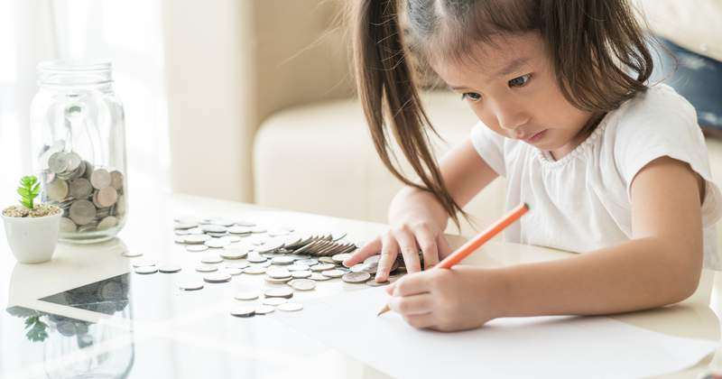 3 Smart Money Lessons to Teach Your Kids